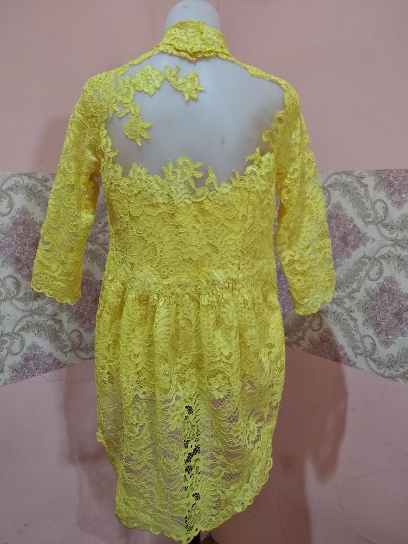 Kebaya Kuning