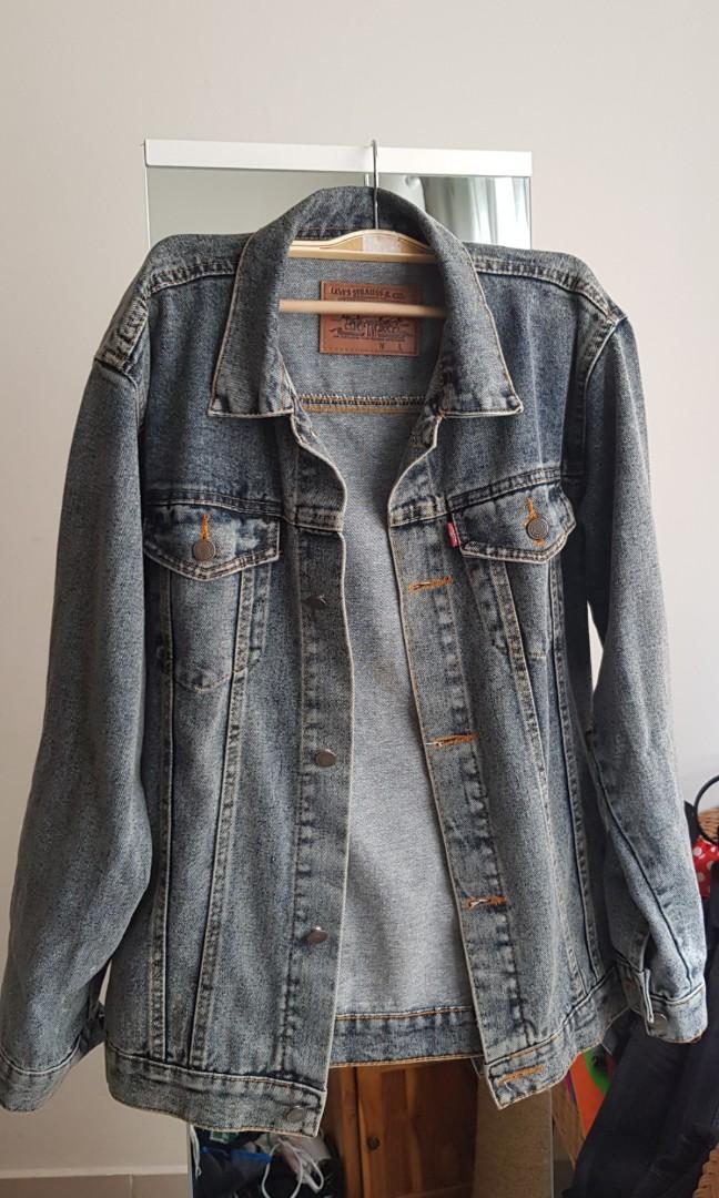 Levis Denim Jacket loose