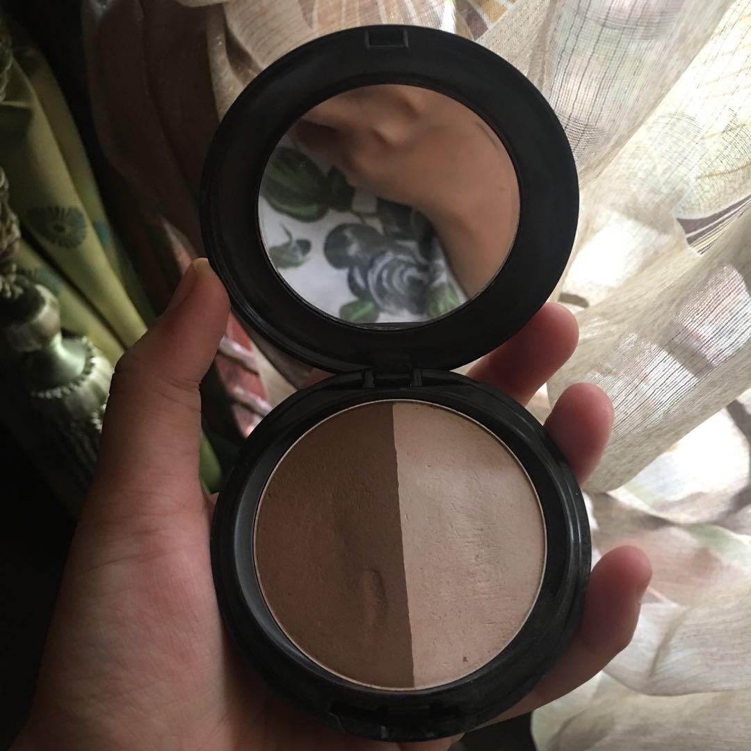 Makeover contouring powder