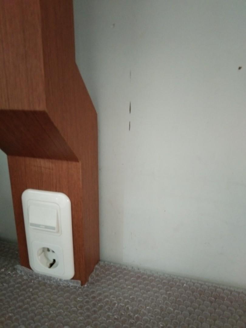 Meja TV Standing