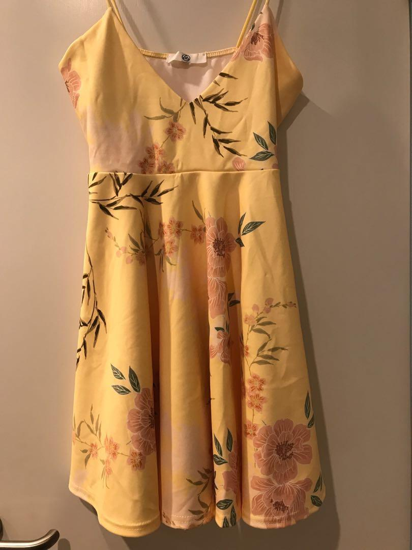 Missguided Yellow Floral Printed Skater Dress new without tags