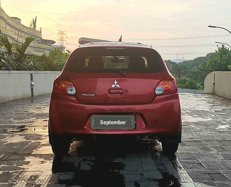 Mitsubishi Mirage Exceed 1.2 at 2012 dp 10 juta