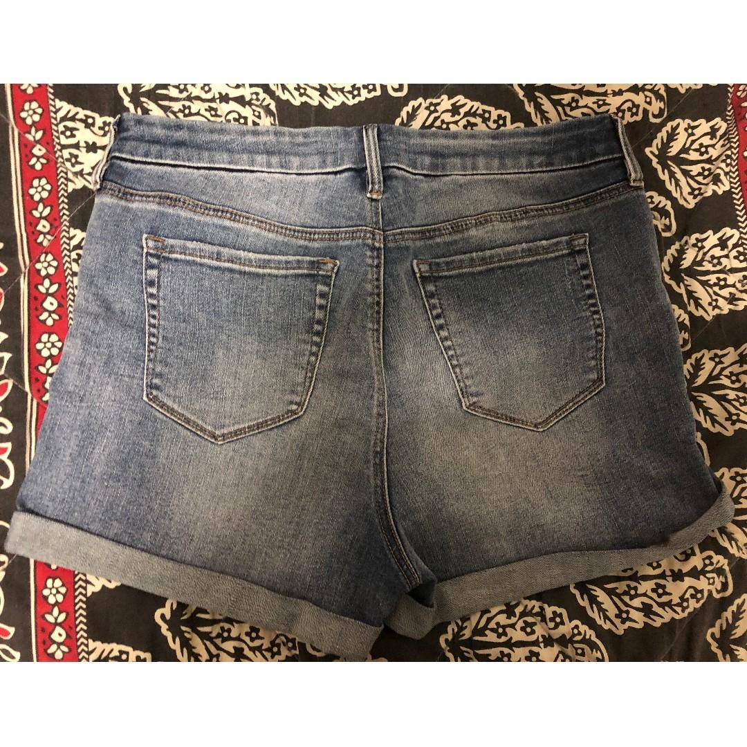 PACSUN mid-wash denim shorts
