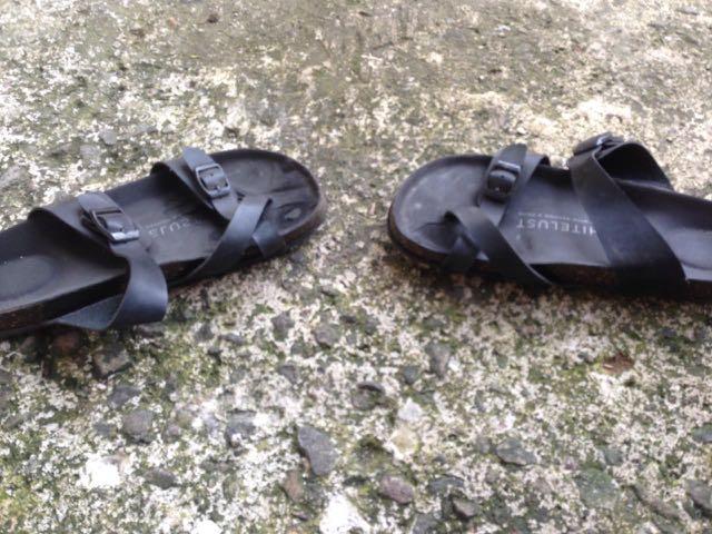 Sandal casual official merchandise endah n rhesa