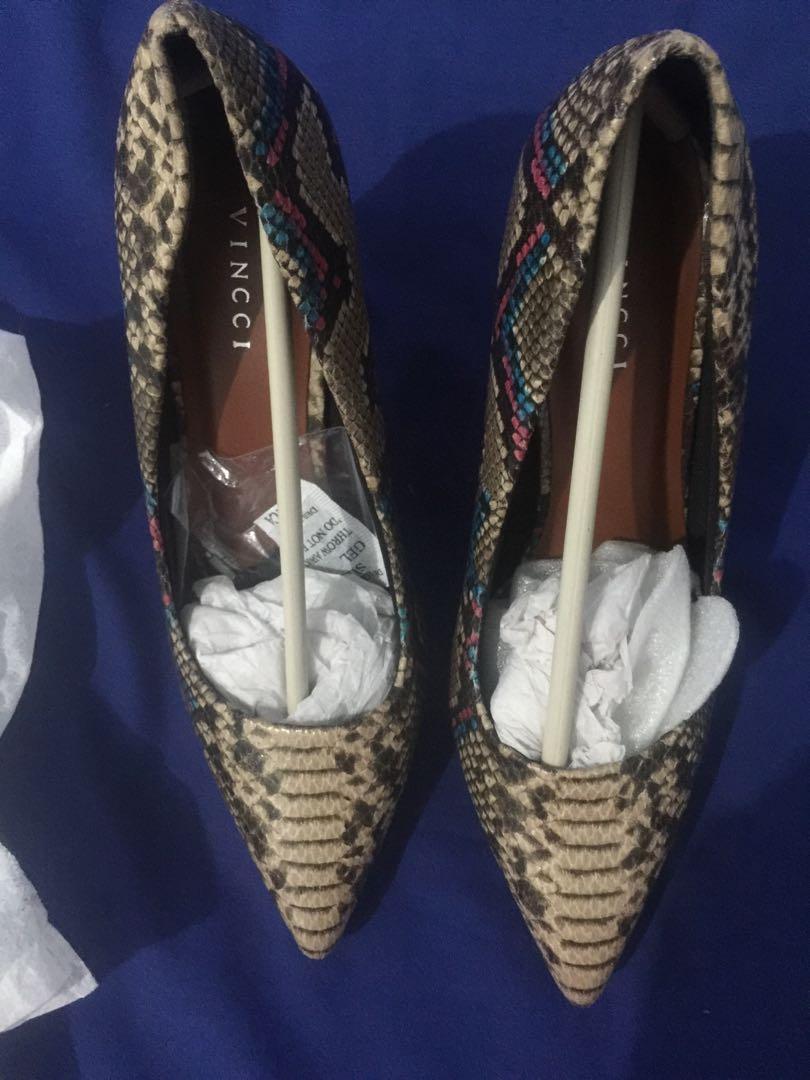 Sepatu kesayangan vincci