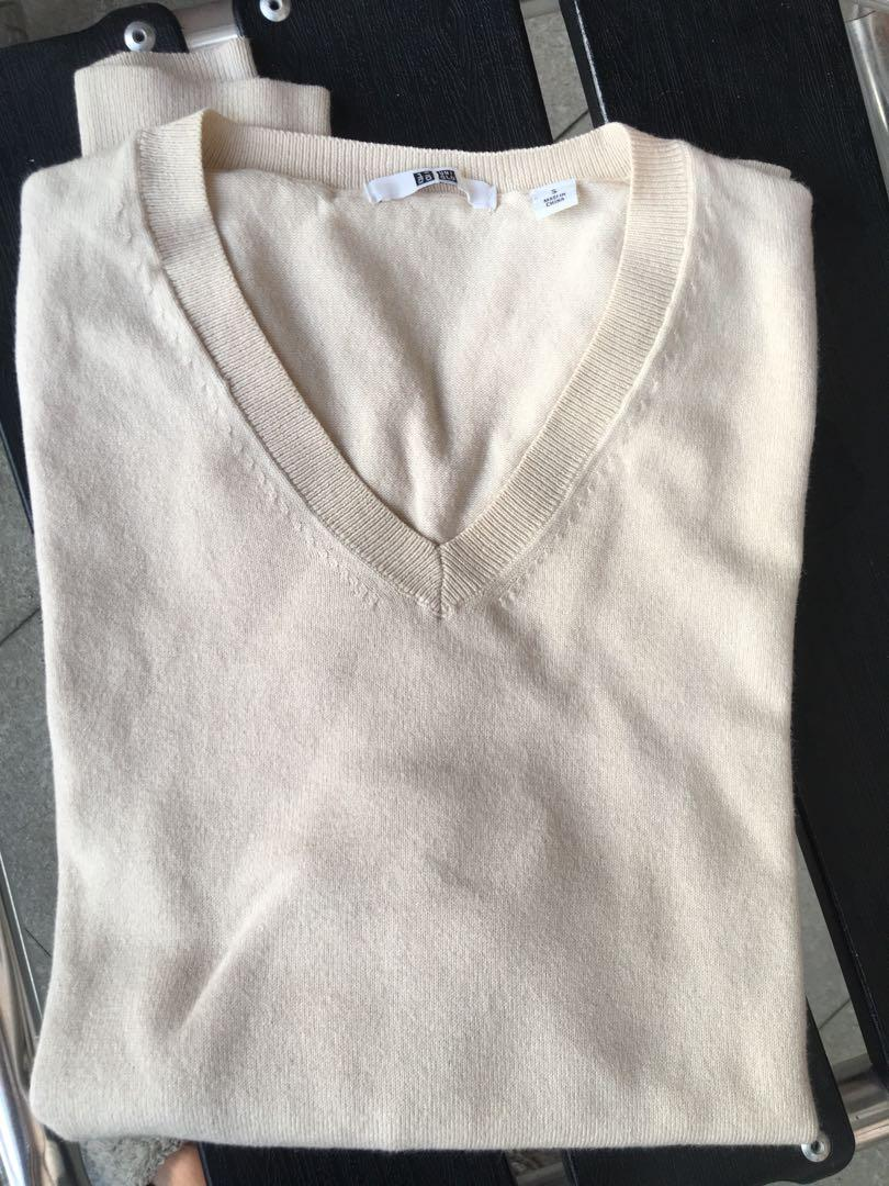 Uniqlo sweatshirt