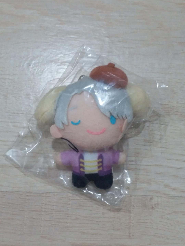 yuri on ice viktor nikiforov x sanrio pompompurin mini plush
