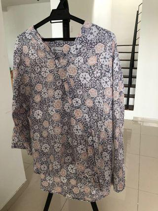 Lulufrangi Printed Silk Batik Kurung Top