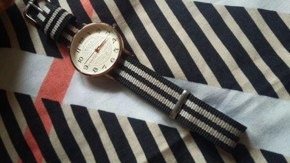 #BAPAU Black-White Watch