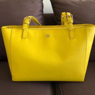 tory burch yellow include dustbag