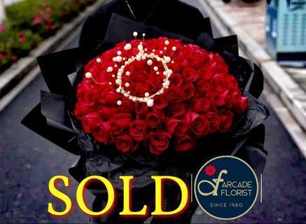 "99 Stalks Red🔴 Roses🌹w/ deginer ""Pearl Crown"", (Fresh Flower Bouquet💐) | Rose Flower | Flower Bouquet | Flower | Flowers | Fresh Flower | Rose | Roses | Mother's Day Bouquet"