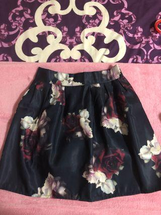 🚚 Navy Blue Floral Skirt