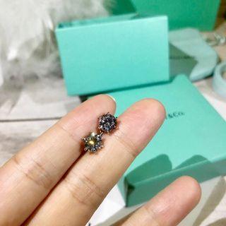 Tiffany  六爪高碳钻耳钉
