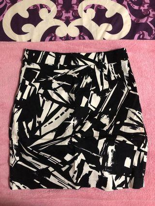Forever 21 Black Design Skirt