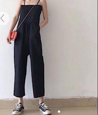 Black suspender jumpsuit!! 💕