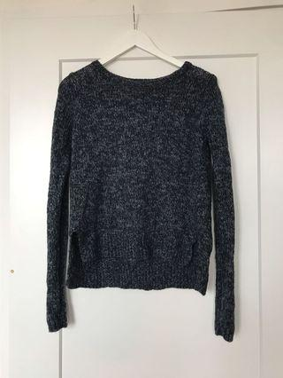 Abercrombie & Fitch sweater (M)