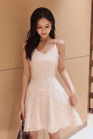 全新白色連身裙