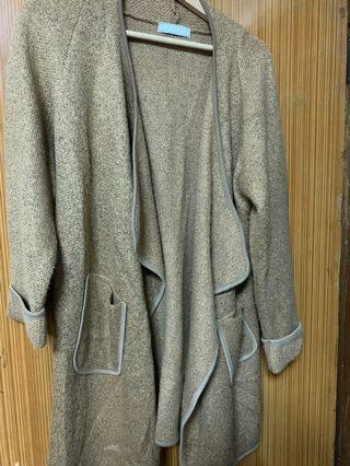 Air spease 針織罩衫