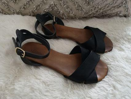 Leather sandals size 36