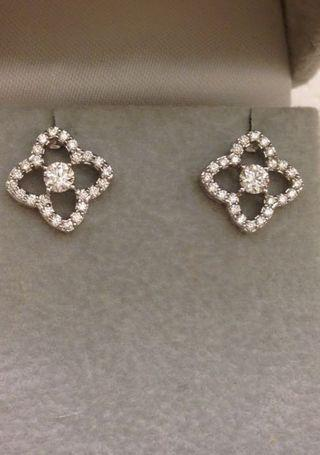 全新18K(750)diamond earrings 63 份高色天然鑽石靚大體款式耳環1.5cmx1.5cm