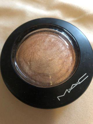 MAC soft and gentle higlighter