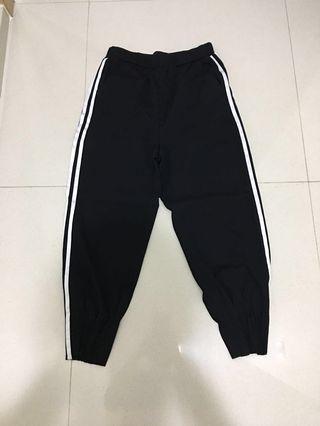 🚚 Yishion pants