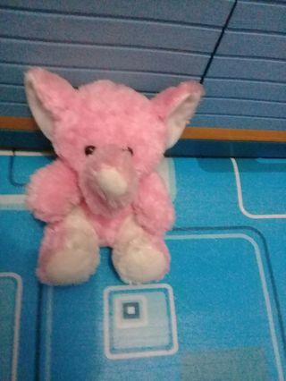 Boneka gajah pink