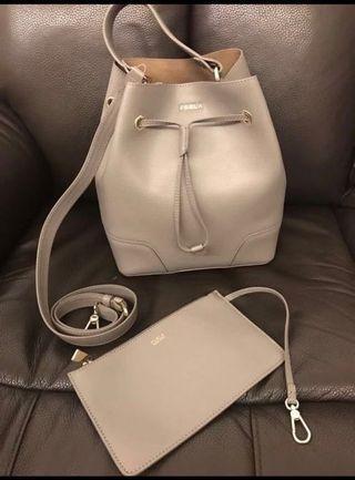 全新Furla bag筒袋