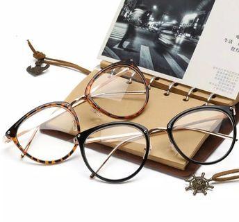 Kacamata unisex transparan