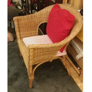 Wicker Chair w Pillows