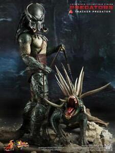 Hot Toys Tracker Predator with Hound MMS147 not Alien Avengers marvel