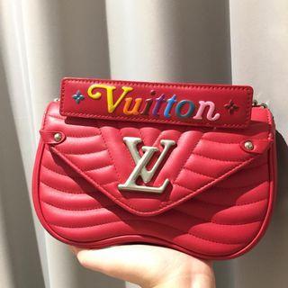 Louis Vuitton Wave Chain Bag