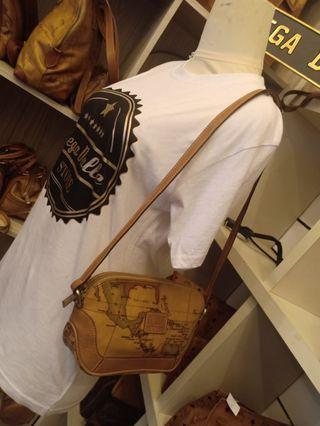 Alviero Martini Handcarry & Shoulder Bag