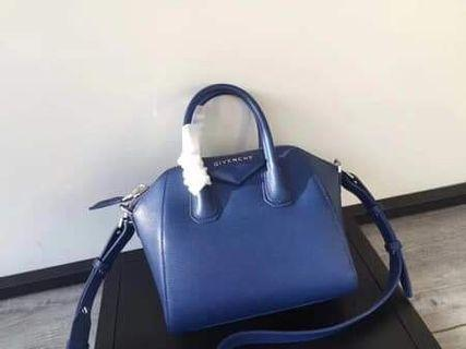 🚚 Givenchy Antigona Blue