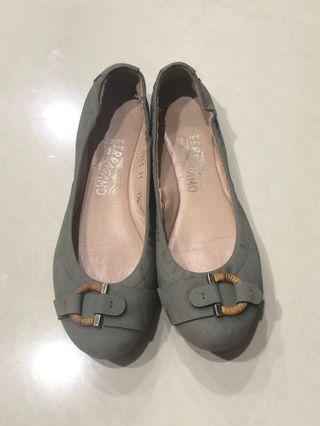 AUTHENTIC SALVATORE FERRAGAMO Flat Shoes