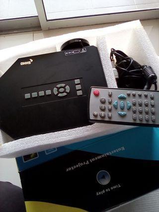 Mini entertainment projector