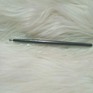 NEW Liner brush