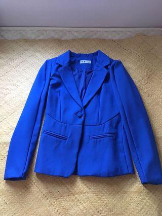 藍色西裝外套 blue jacket
