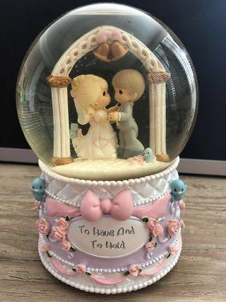 🚚 Precious Moments Wedding Globe + Music Box
