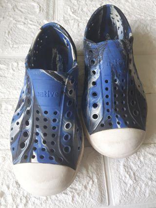 native 兒童洞洞鞋 C11