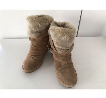 ALDO內增高毛毛短靴37