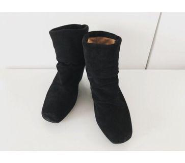 🚚 lbiza 黑色麂皮內增高短靴36