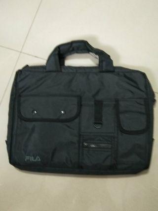 🚚 FILA Laptop Bag