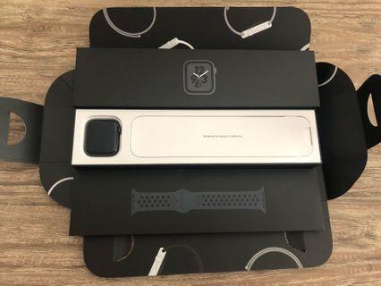 Apple Watch Nike+ 44mm Space Gray Series 4 GPS