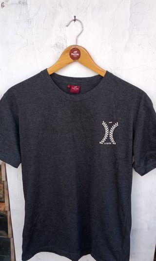 Kaos T Shirt Paxton London