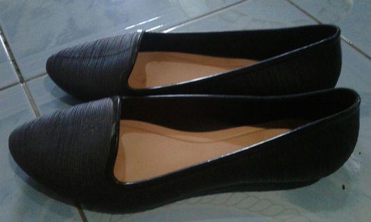 Sepatu Fuhaha hitam polos