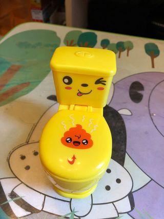 噴水廁所玩具