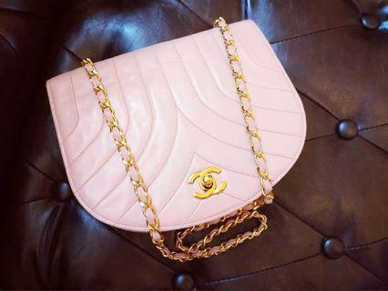 🎊On sale🎊現貨Vintage Chanel粉色羊皮貝殼形金扣鏈包
