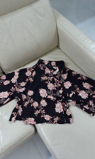 Kenzi Wrap Kimono Floral Black top