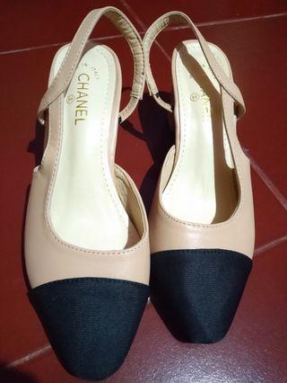 Sepatu kondangan - Channel shoes (replika)